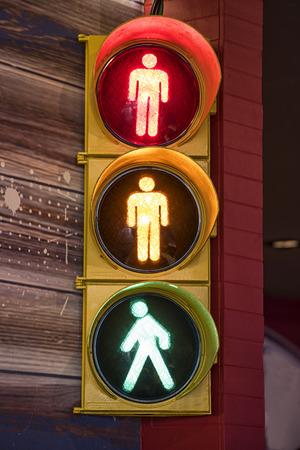 Semáforo de peatones Foto de archivo - 46529678