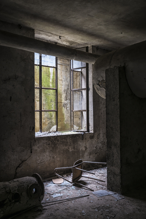 abandoned: Abandoned chair