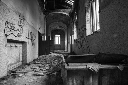 forniture: Abandoned coridor