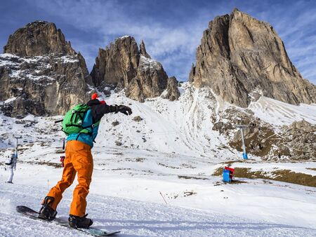 fassa: Skiing in the dolomites