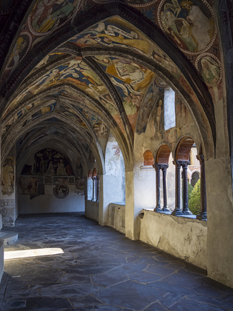 garth: Old Bressanone cathedral cloister