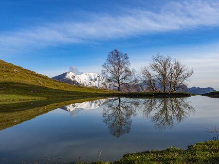 Autumn colors in the italian alps on Grigna mountain Фото со стока - 134867901