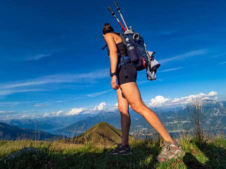 Trekking scene in the alps of Lake Como Stockfoto