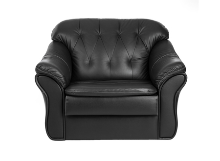 arredamento classico: Classic  big black leather armchair isolated on white background
