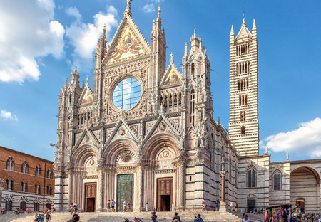 Siena, Italy - August 19, 2013: Cathedral Duomo di Siena, roman catholic medieval church in Siena, Italy, Europe ancient architecture. Redactioneel