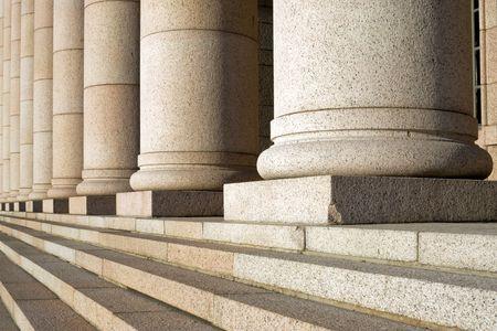 Die Spalten des Parlaments in Helsinki, Finnland. Architekt JSSirén, 1931. Standard-Bild - 3411102