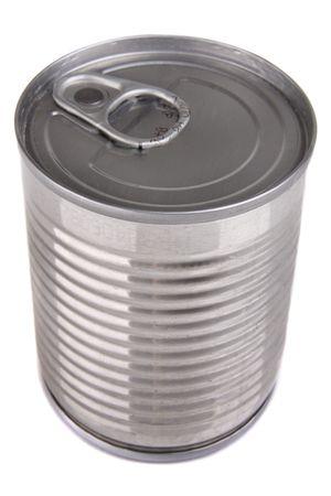 Aluminium étain peut isolé sur fond blanc