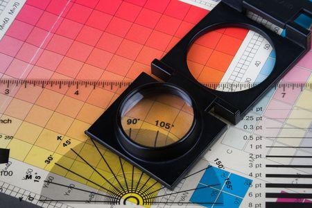 prepress: Impresi�n de conjunto con la gesti�n del color y muestras magnifyer Foto de archivo