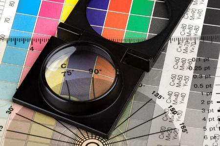 Drucken mit Farbmanagement magnifyer und Muster Standard-Bild - 4760255