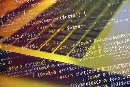 Collage avec l'ordinateur (portable) clavier et code de programme Banque d'images - 39377595