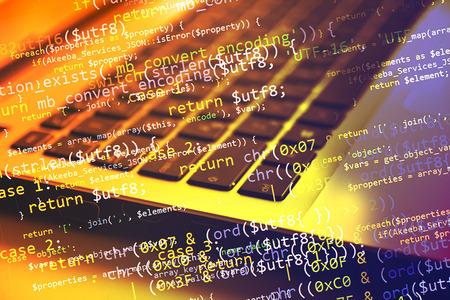 Collage con el ordenador (portátil) teclado y código de programa Foto de archivo - 39377597