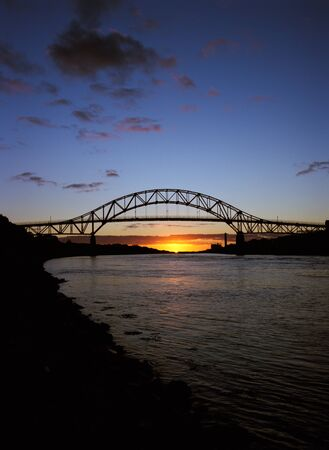 Sagamore bridge in the distance at Sunrise Banque d'images