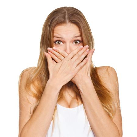 Berrascht glückliche schöne Frau für ihren Mund mit der Hand. isoliert über weißem Hintergrund Standard-Bild - 37407999