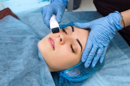revitalization: Mesotherapy face by mezoroller.