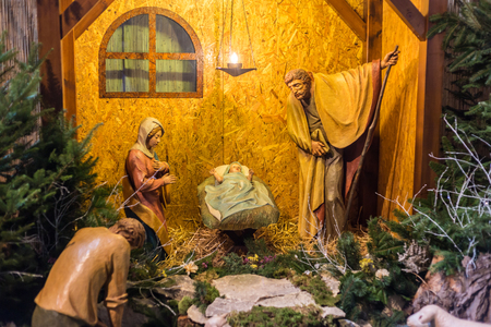 mary mother of jesus: Scene of Jesus Christ beeing born recreated with plastic figures