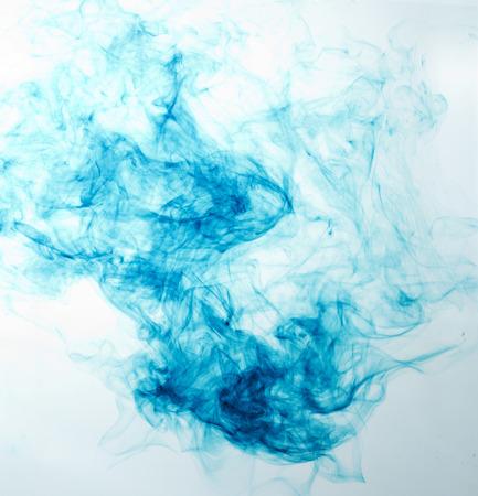 agleam: part�culas de desintegraci�n en agua y la disoluci�n