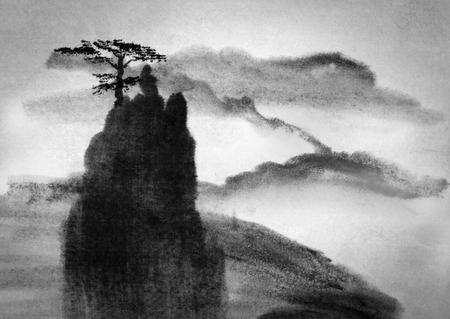 Lone Pine op een hoge berg Stockfoto