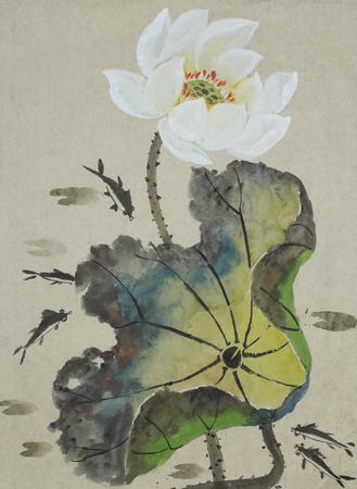 연꽃과 물고기가 중국식으로 그려져 있습니다.