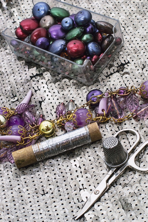 skillfully: sewing accessories and equipment