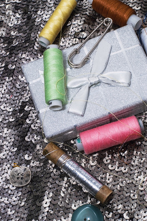 skillfully: sewing kit