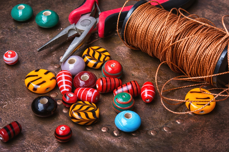 alicate: Set of multicolored beads for making bracelet and necklace Foto de archivo