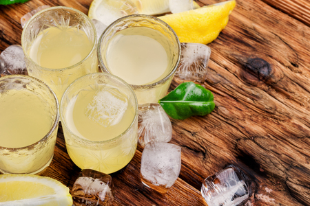 Italian lemon liqueur.Limoncello - the most popular local liqueur.Alcoholic beverage Stockfoto