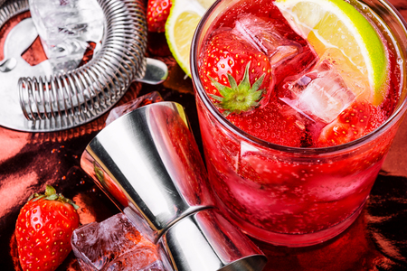 Fresh summer cocktail with strawberry.Alcoholic cocktail.Party drinks 스톡 콘텐츠