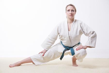 white-nude-women-taekwondo-chicks