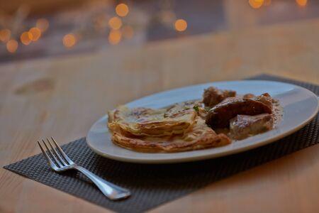tarik: Pancakes with meat