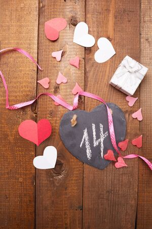 decorate: decorate a gift for Valentines Day