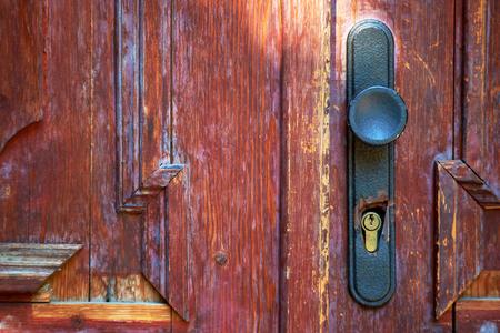 puertas viejas: old doors with handles