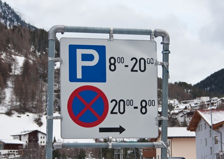 constraints: A road sign with the time constraints