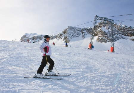 kitzsteinhorn: Alpine skier mountains in the background. Ski resort of Kaprun, Kitzsteinhorn glacier. Austria Stock Photo
