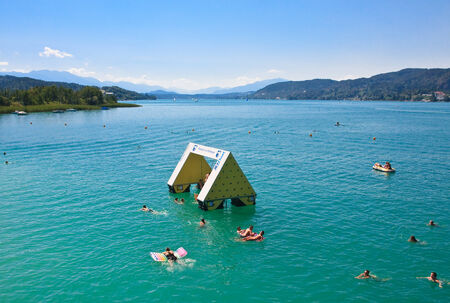 Resort Pörtschach. Wörthersee. Oostenrijk Redactioneel