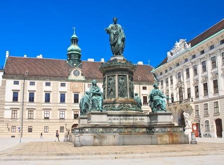 hofburg: Hofburg. Monument � Franz je ,. Vienne. Autriche �ditoriale