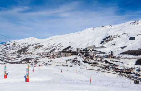 On the slopes of the Valley Val Thorens.Ski resort  Val Thorens. Village of Les Menuires. France Stock Photo