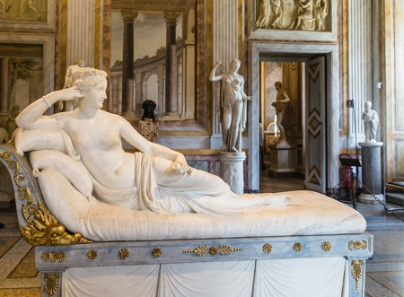 Magnificent sculpture of Pauline Bonaparte masterpiece by famous sculptor Antonio Canova in Galleria Borghese.Europe. Imagens - 70747408