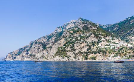 Positano town of Amalfi coast and Tyrrhenian sea, Italy Banque d'images