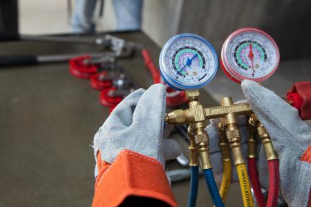 manometers meetapparatuur voor het vullen van airconditioners, meters.