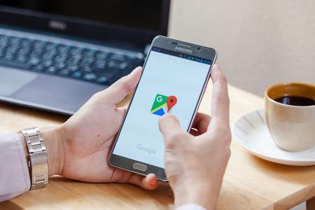 Bangkok, Thailand - 8,2016 augustus: Google Maps forSamsung note5. De locatieservice kan werken met of zonder een GPS-ontvanger. Bouw voor Android en iOS.