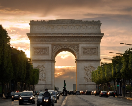 Arc de Triomphe: The Triumphal Arch (Arc de Triomphe de lEtoile) on Place Charles de Gaulle, one of the most famous monuments in Paris, France.