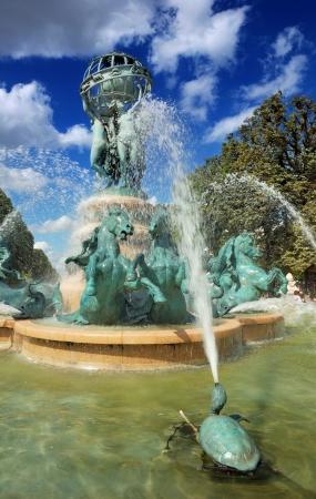 The fountain of the Observatory  La fontaine de l Stock Photo - 16188426