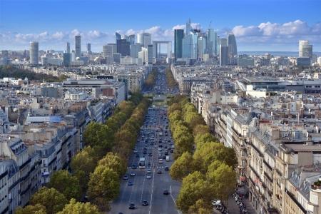la defense: The Avenue de la Grande Armee direction to business district La Defense in Paris, France. Stock Photo