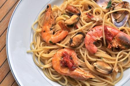 Spaghetti Nudeln mit Meeresfrüchten Standard-Bild - 10223465