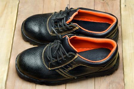 steel toe boots: Black Steel Toe Safety of steel cap work boots .