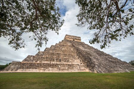 Kukulcan Temple at Chichen Itza, Yucatan, Mexico Stock Photo