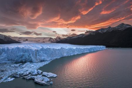 glaciares: Sunset at Perito Moreno Glacier - Los Glaciares National Park Argentina Stock Photo
