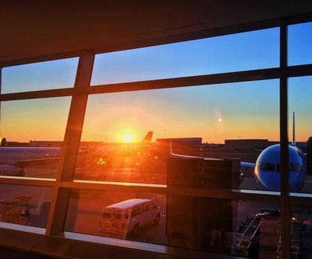 空港の夕日