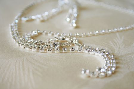 jewelle: necklace with diamonds