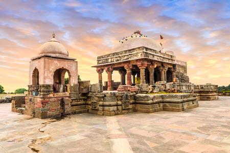 Abhaneri, 라자 스 탄, 북쪽 인도에서 고 대 Harshat 마 타 사원.